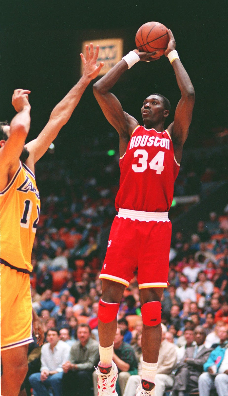 Smallthoughts Old School Tuesday …Hakeem Olajuwon